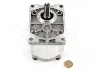 Force 915 hidraulika szivattyú sebességváltóhoz (4 csavaros kivitel) (1)