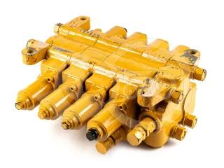 Force 915 hidraulika vezérlőtömb, 4 körös (1)